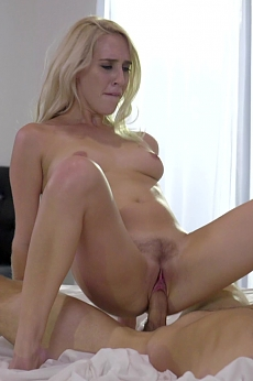 Lick of the clit - Cadence Lux